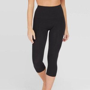Assets by Spanx Black Cropped Leggings Size S